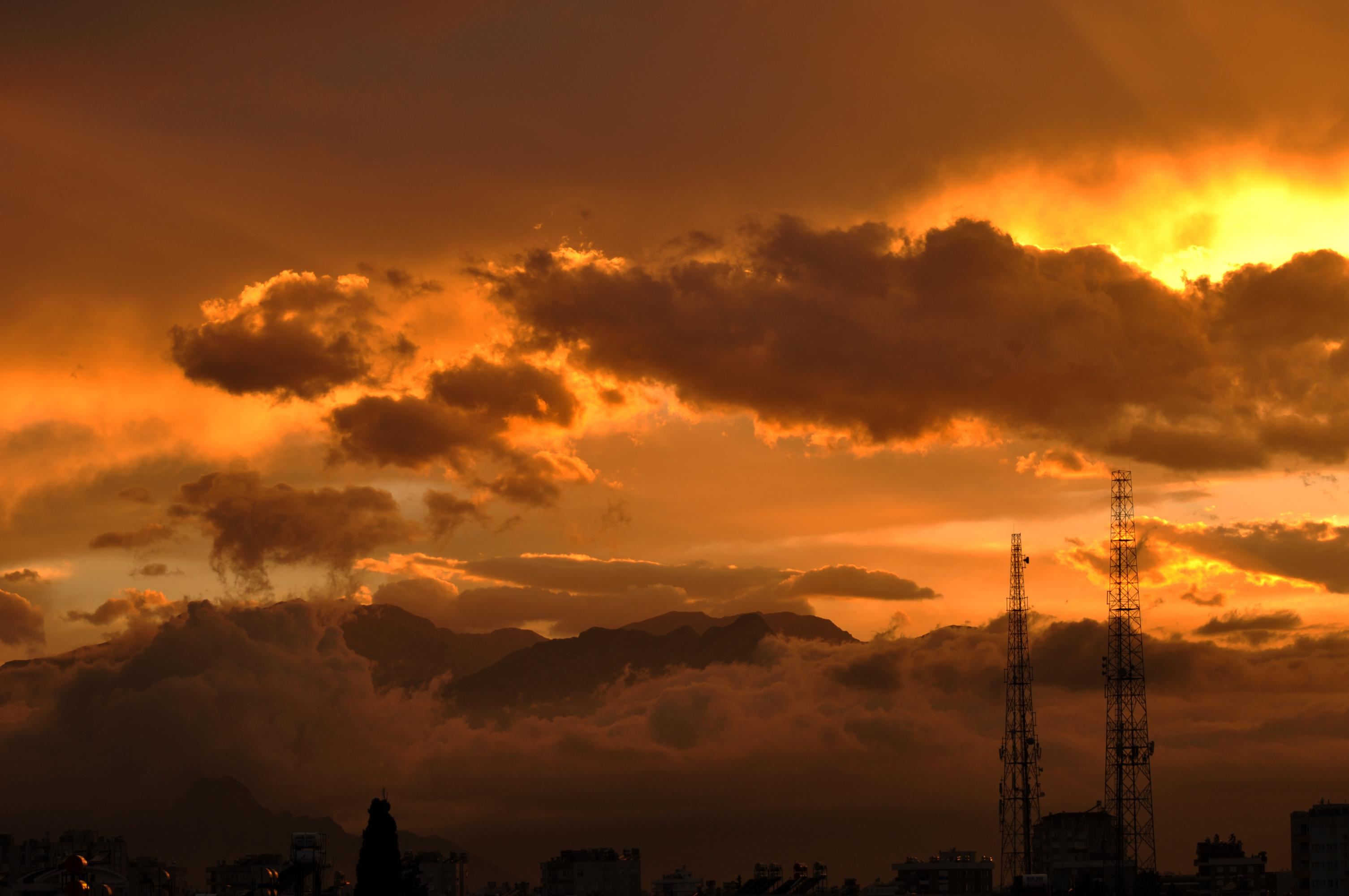 İsim:  SunsetinAYT.jpg Görüntüleme: 182 Büyüklük:  254.8 KB (Kilobyte)